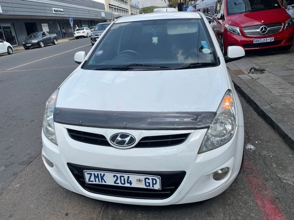 2010 Hyundai i20 1.4 Fluid At  Gauteng Pretoria_0