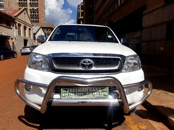 2013 Toyota Hilux 2.7 VVTi Raider Raised Body Double-Cab Gauteng Johannesburg_0
