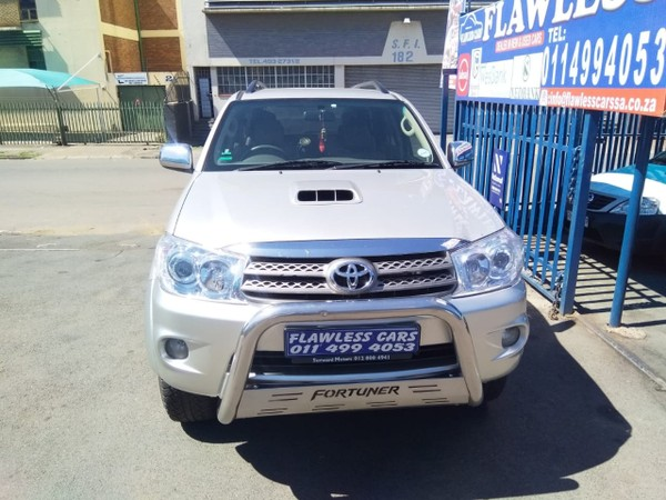 2009 Toyota Fortuner 3.0 D-4D Raised Body Gauteng Johannesburg_0