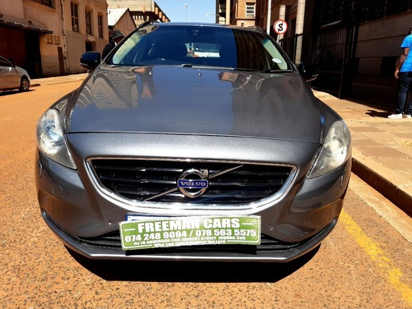 2015 Volvo V40 2.0  Gauteng Johannesburg_0