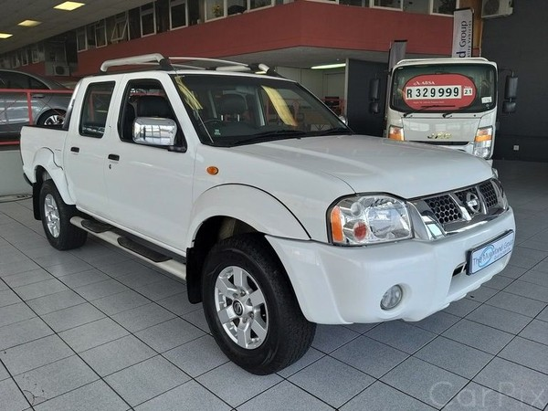 2016 Nissan NP300 2.4i Hi-Riderr Double-Cab Eastern Cape East London_0
