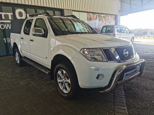2011 Nissan Navara 3.0 Dci  Le At 4x4 Pu Dc  Eastern Cape Port Elizabeth_0