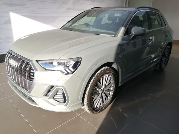 2021 Audi Q3 35TFSI S LINE 110KW  SLINE  Gauteng Centurion_0