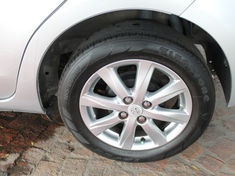 2013 Toyota Yaris 1.3 Xs 5dr  Western Cape Kuils River_1