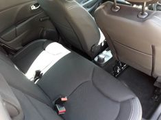 2019 Renault Clio IV 900 T expression 5-Door 66KW Gauteng Roodepoort_3