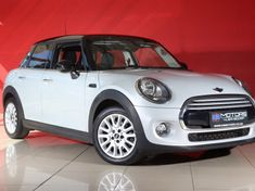 2015 MINI Cooper 5-Door (XS52) North West Province