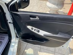2012 Hyundai Accent 1.6 Gl  Gauteng Vanderbijlpark_1