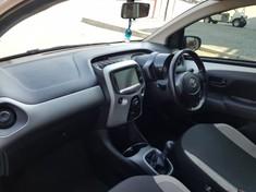 2017 Toyota Aygo 1.0 X- PLAY 5-Door Gauteng Midrand_4