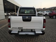 2021 Nissan NP300 Hardbody 2.5 TDi 4X4 Double Cab Bakkie North West Province Rustenburg_4