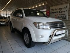 2011 Toyota Fortuner 3.0d-4d Rb  Western Cape Bellville_0
