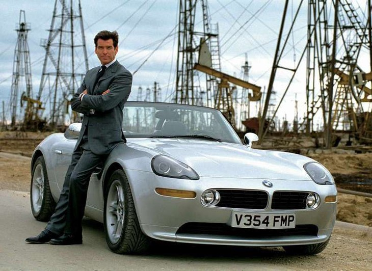 BMW Z8 Bond