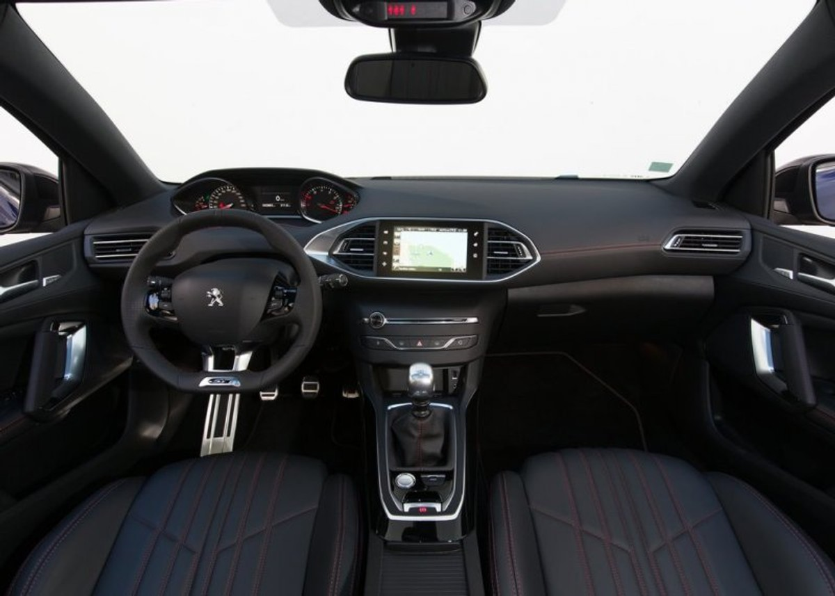 Peugeot 308 1 6 Gt 2015 Review Cars Co Za