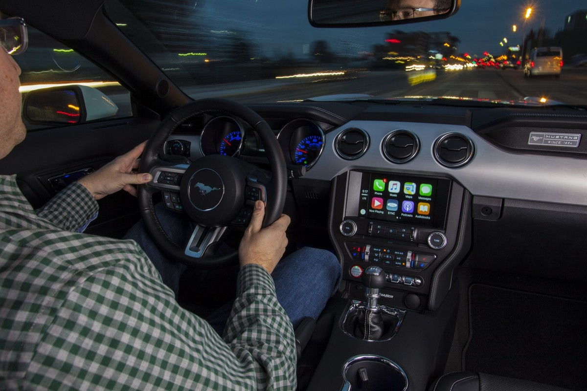 Ford offers android auto and apple carplay in sync 3 video