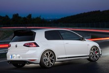 Volkswagen Golf GTI Clubsport 2016 1024x768 Wallpaper 0c