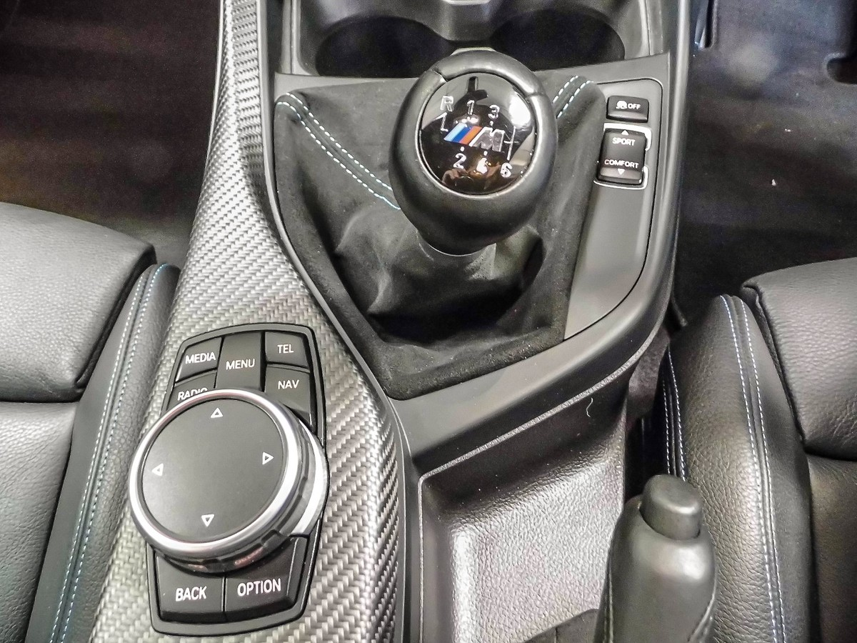 Some Driving Enthusiasts Prefer Sportscars With Manual Boxes But Now That Quick Shifting Dual Clutch Transmissions Are Widely Available And Well Proven