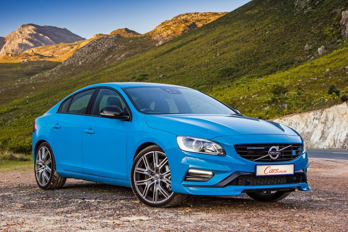 Volvo S60: Overview