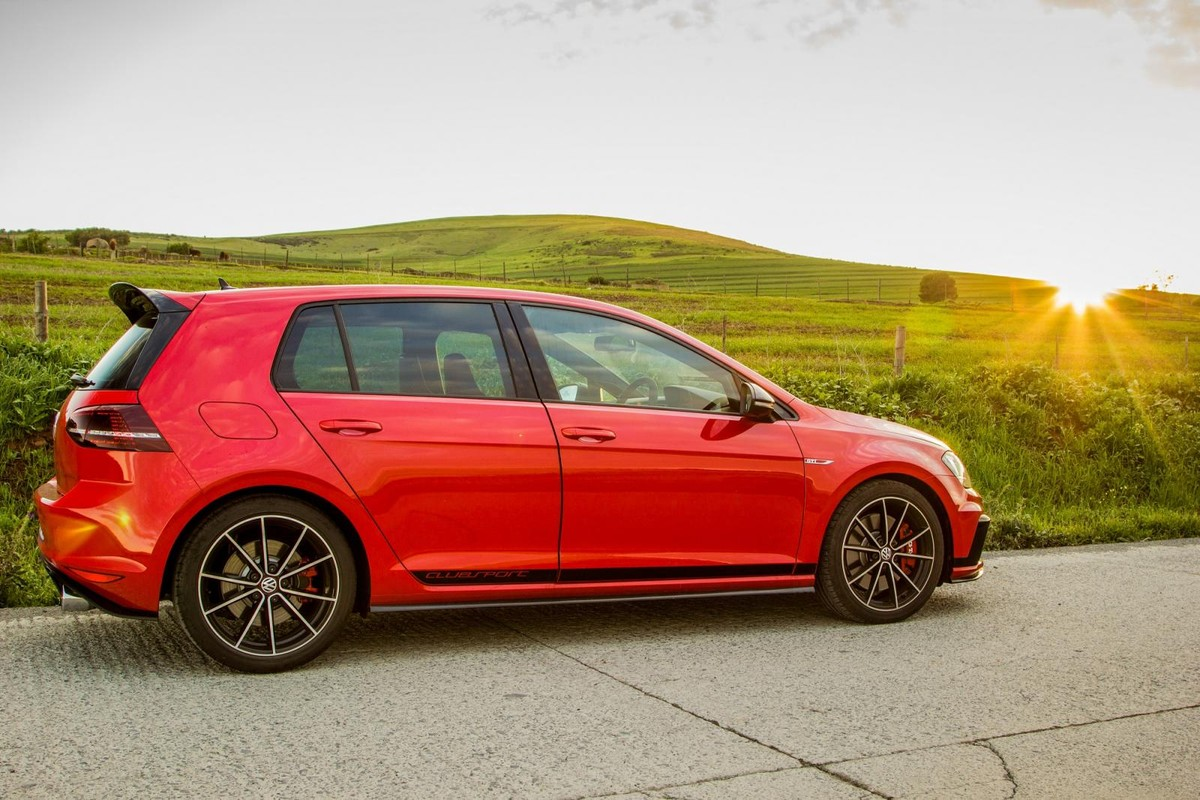 5 Most Memorable Drives Of 2016 Cars Co Za