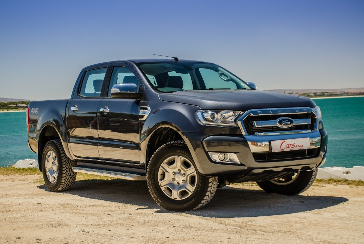 Fords ranger has become a serious threat to the long term dominance of the toyota hilux recently a facelift to the double cab has enhanced its appeal in
