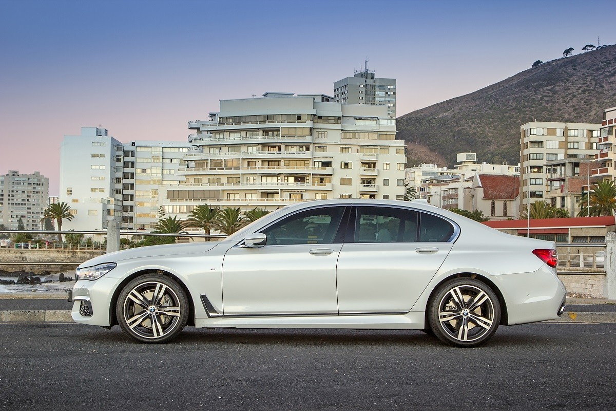 Bmw 740i 2016 Review 2011 740li Road Tests Previous Incarnations Of The 7 Series Offered A Blend Power And Luxury While Delivering On Brands Marketing Promise Sheer Driving Pleasure