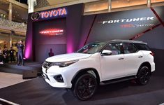 Toyota Fortuner TRD2