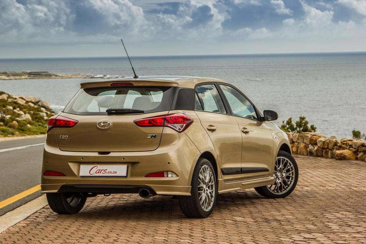 Hyundai i20 1 4 Sport (2016) Review - Cars co za