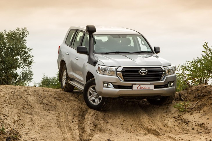 Toyota Land Cruiser 200 4 5 GX (2016) Review - Cars co za