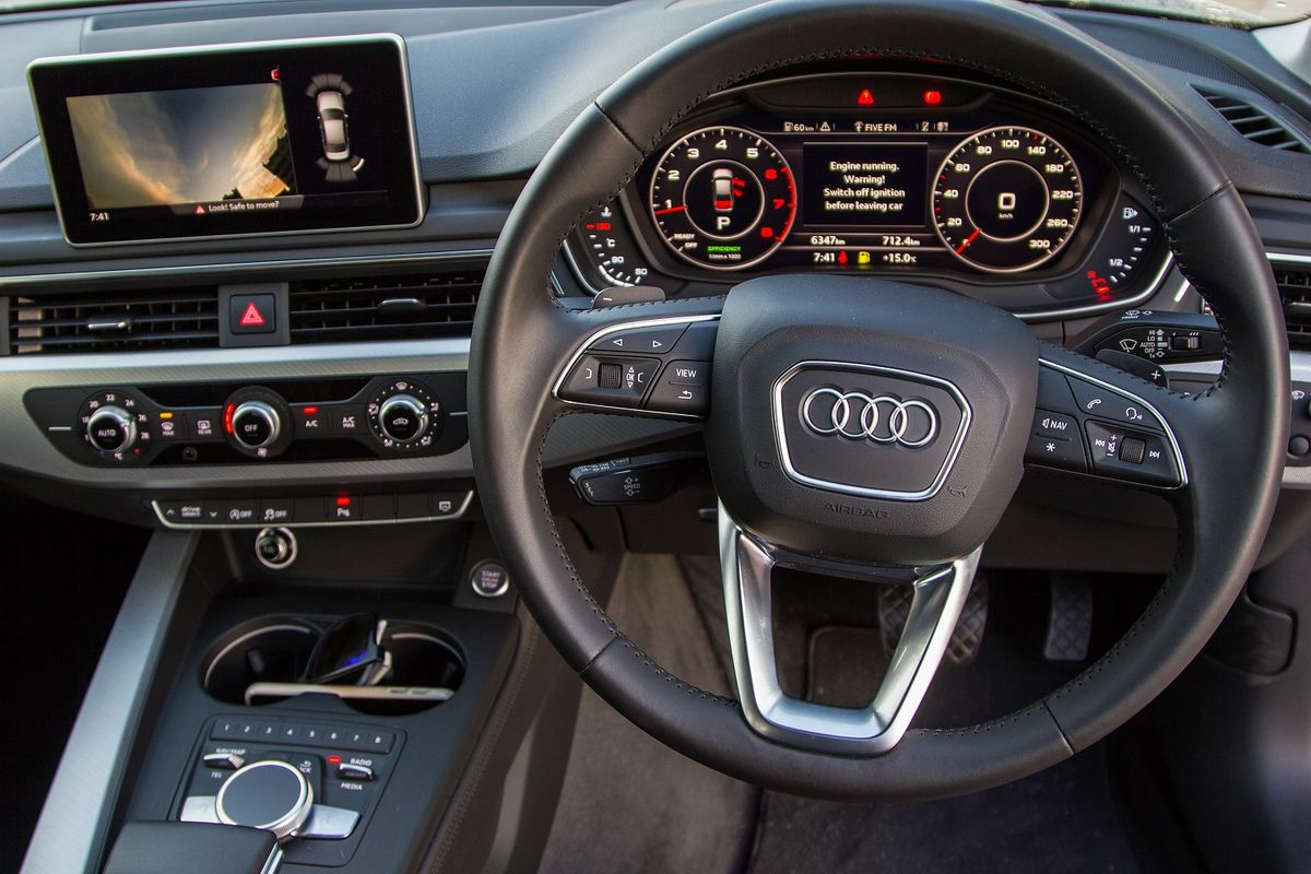 Audi A4 2 0TFSI S tronic Design (2016) Review - Cars co za
