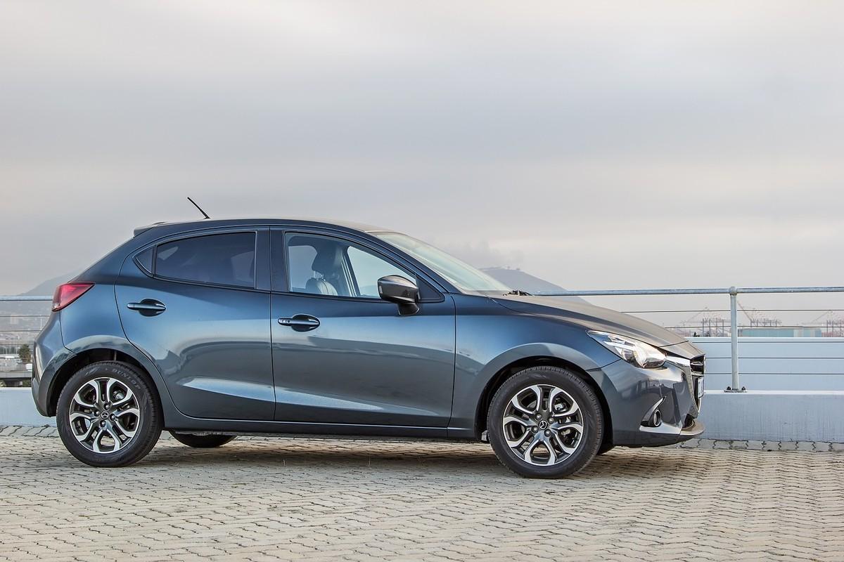 מדהים Mazda2 1.5 DE Hazumi (2016) Review - Cars.co.za HQ-56