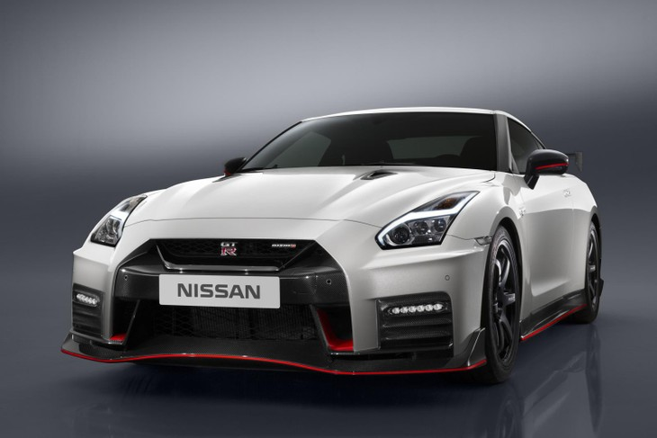 404c57bfcd9790 Following on immediately from the launch of the 2017 Nissan GT-R, Nismo has  got its hands on the GT-R and cranked it up even further.