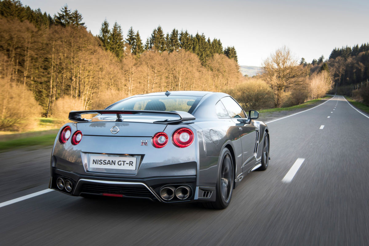 new nissan gt r packs more power improved styling cars co za rh cars co za