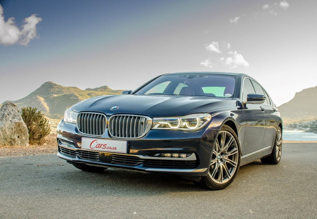 Bmw 750i Design Pure Excellence 2016 Review Carscoza