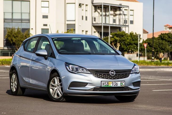 Opel Astra 10t Essentia 2016 Review Carscoza