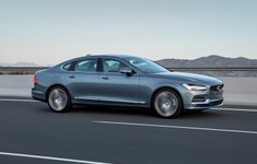 191747 New Volvo S90 Location Driving 1800x1800