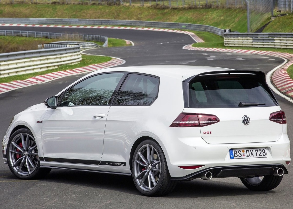 volkswagen golf gti clubsport s 2016 first drive cars. Black Bedroom Furniture Sets. Home Design Ideas