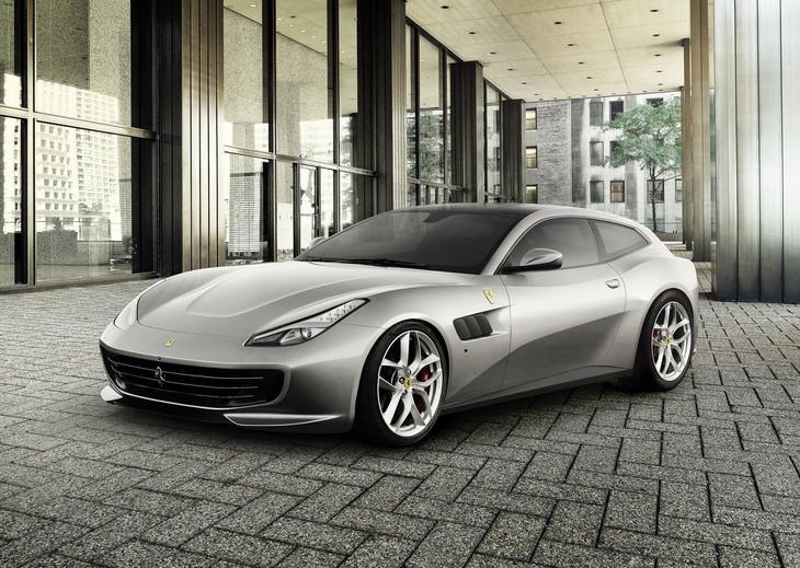 Ferrari GTC4 Lusso T 2017 1280 01