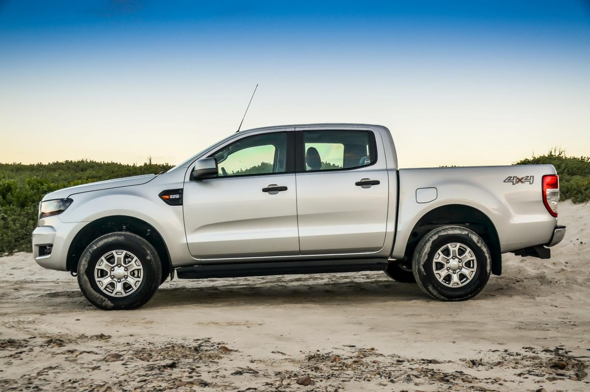 Fords recently introduced 2 2 litre tdci double cab automatic ranger bakkies are bound to sell well in south africa we tested the mid spec ranger 2 2 xls