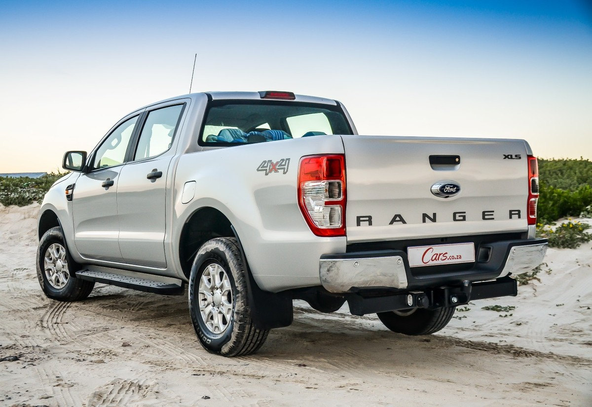 Ford Ranger 2.2 XLS 4x4 Automatic (2016) Review - Cars.co.za