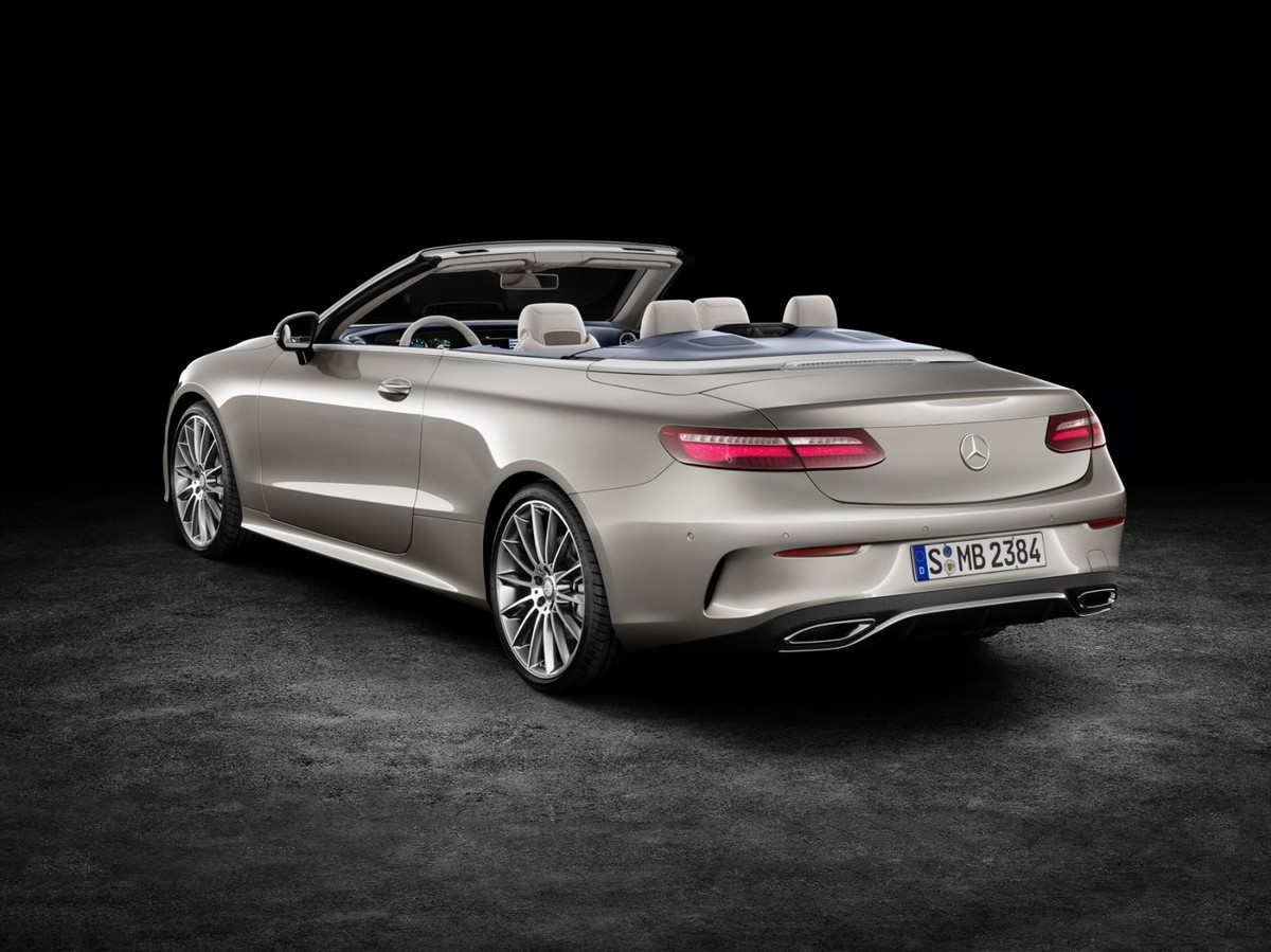 Charming Following The Arrival Of The Stylish E Class Coupe Earlier This Year,  Mercedes Benz Now Welcomes The E Class Cabriolet To Its Local E Class Range.