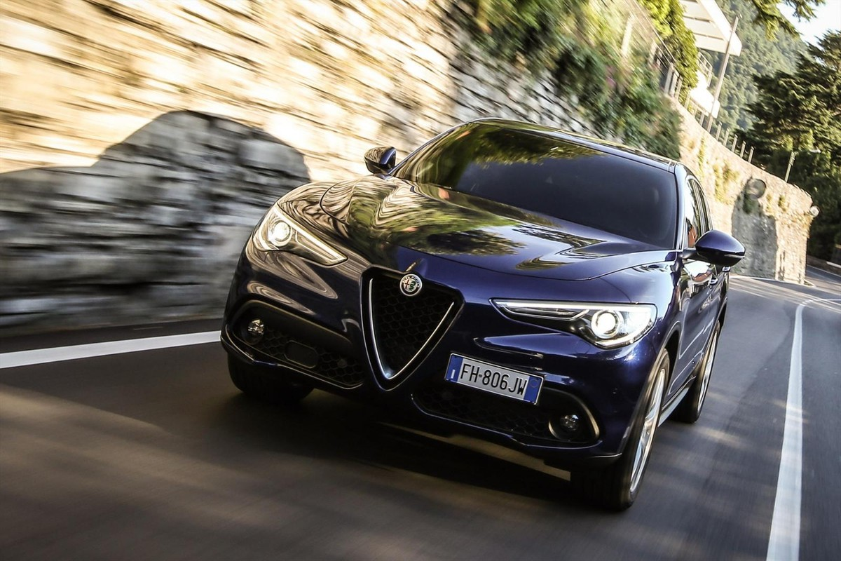 alfa romeo stelvio 2017 specs price. Black Bedroom Furniture Sets. Home Design Ideas