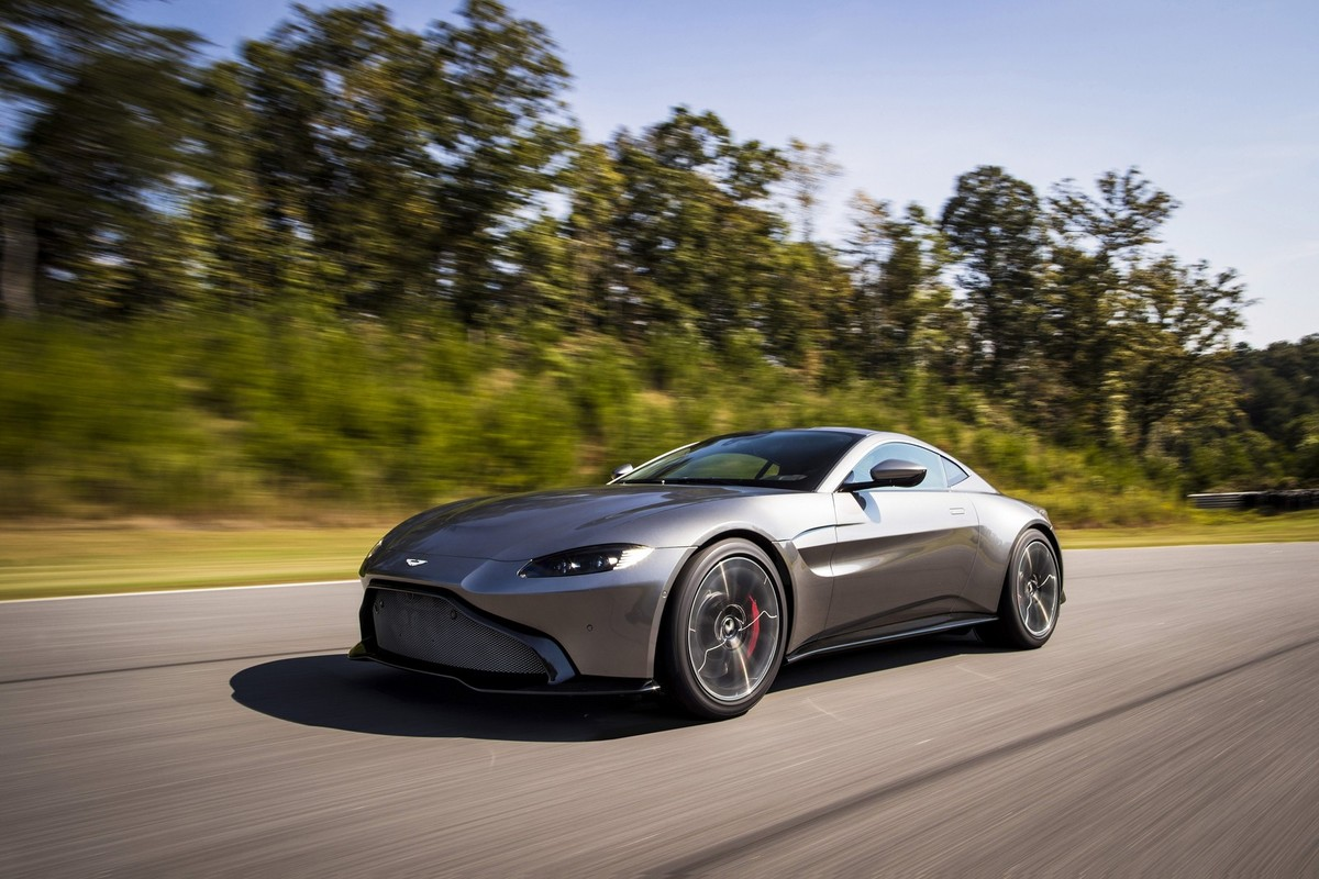 Update Aston Martin Shows Off New Vantage WVideo Carscoza - What is an aston martin