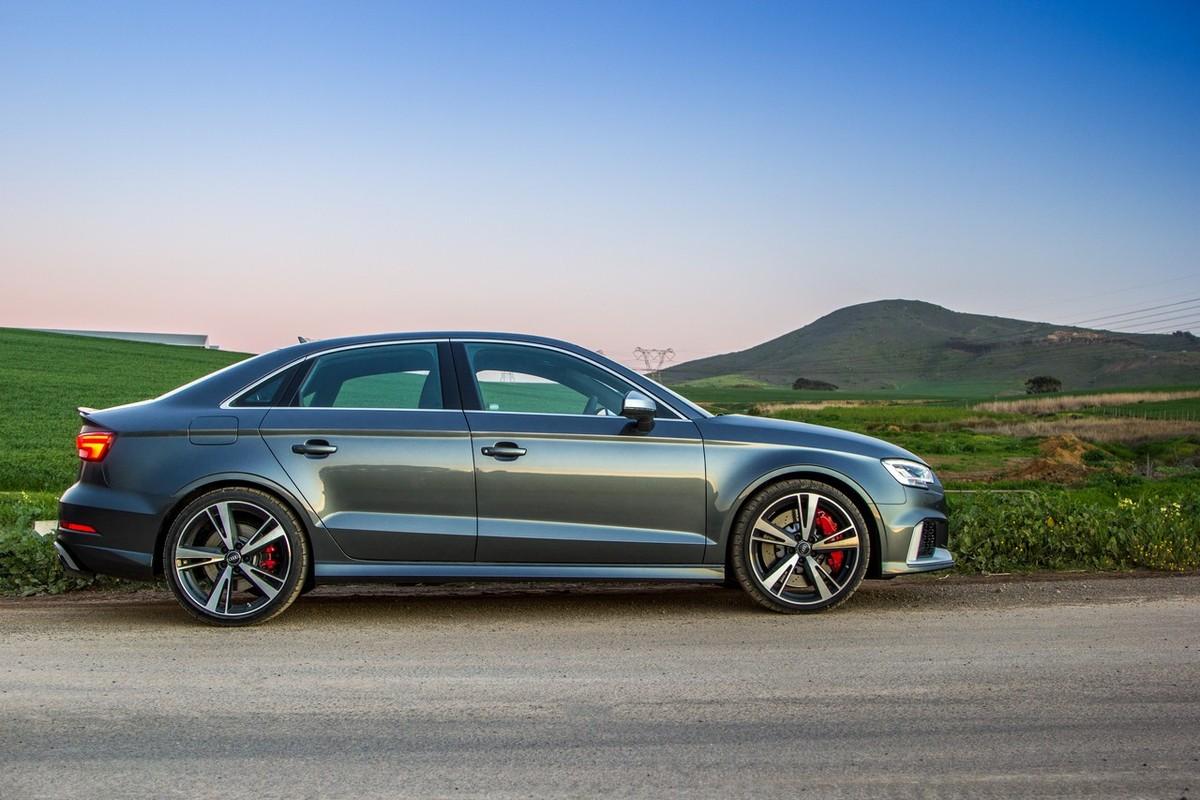 Audi RS3 Sedan (2017) Quick Review - Cars co za