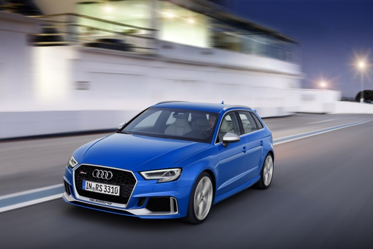 AudiRS3Sportbackdrives