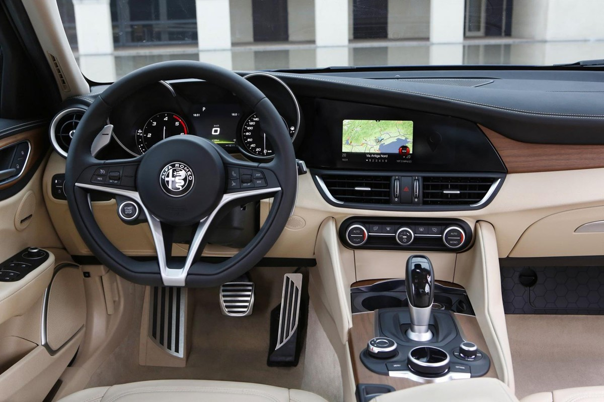 alfa romeo giulia (2017) specs & pricing - cars.co.za