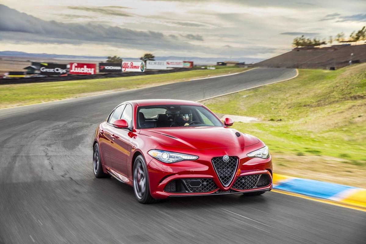 Alfa Romeo Giulia (2017) Specs & Pricing - Cars.co.za