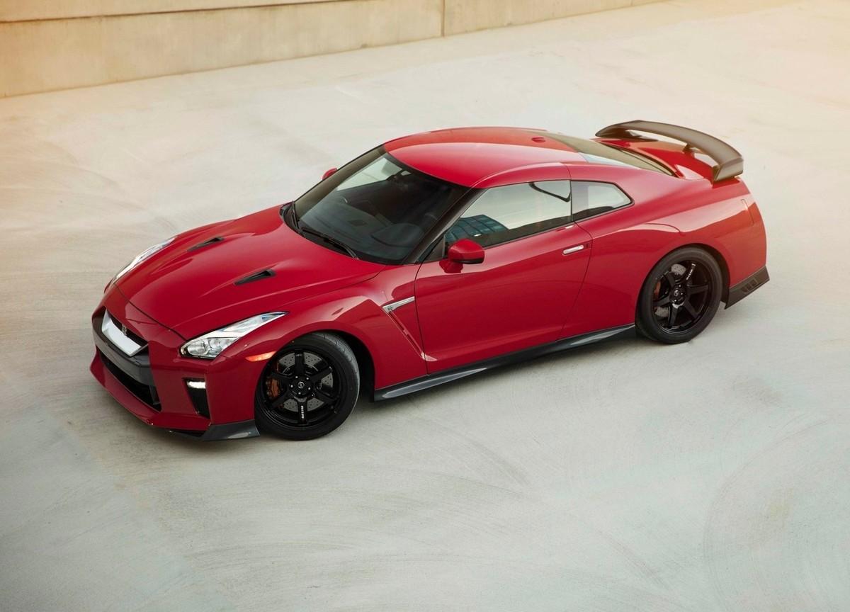 nissan reveals hardcore gt r track edition cars co za rh cars co za