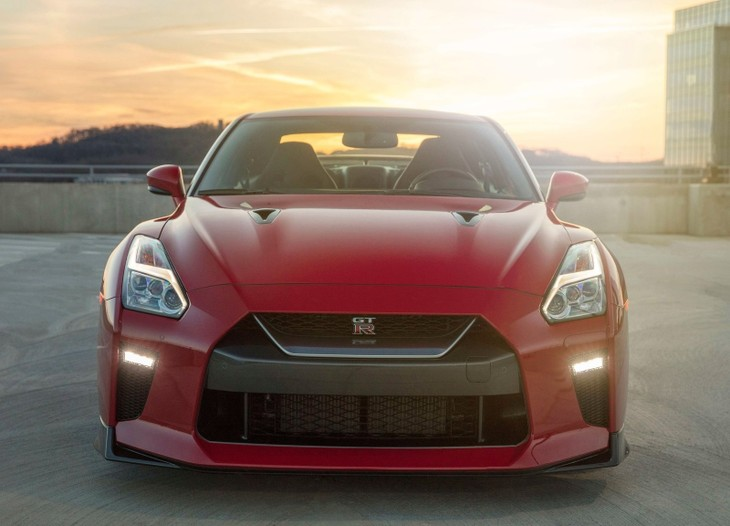 nissan reveals hardcore gt r track edition cars co za rh cars co za