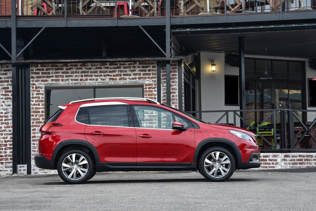Facelifted Peugeot 2008 (2017) Specs & Pricing - Cars co za
