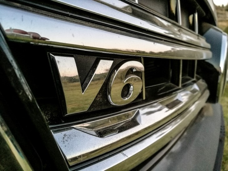 VWAmarokV6badge