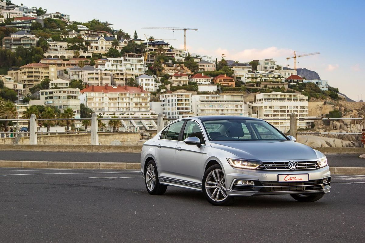 Volkswagen Passat 2 0 TDI Luxury DSG (2017) Quick Review - Cars co za