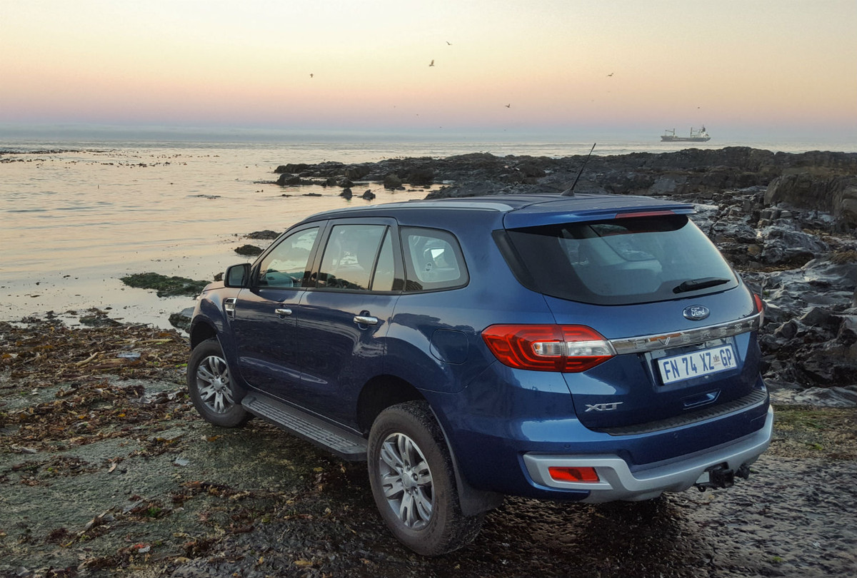 ford everest ambiente 2.2 l 4x2 at review